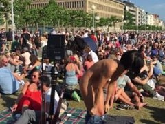 NAKED SELFIES Performance by Milo Moiré