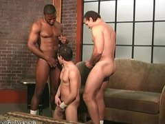 Gifted amateur white guy gets gangbanged by blacks