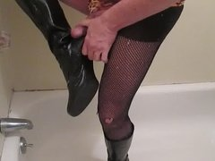 Fucking and cumming well worn knee boots