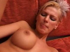 Italian milf has catched her stepson with porn watching