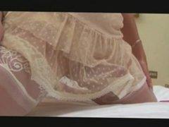 Travesti coroa milf brincando pelada na webcam