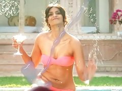 TRIBUTE TO SONAM KAPOOR (INDIAN ACTRESS) 1
