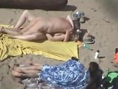 paar sex am nude strand