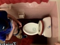 Boys pissing in boy buts gay Unloading In The Toilet Bowl