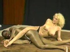 Ebony Ayes vs Shelley Renee
