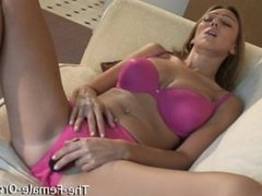 Big Naturals Fleshy Pussy and Orgasm Contractions