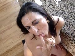 Massive amateur facial on hot wife