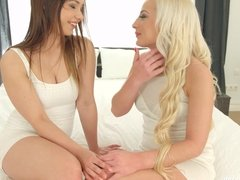 Fingering bliss by Sapphic Erotica - lesbian love porn with
