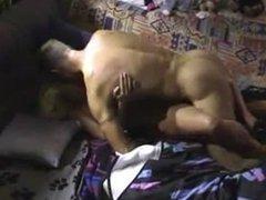 Sexo casero con una rubia