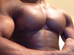 Bodybuilder Bounces Huge Pecs