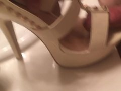 Shoe Fucking and cuming on my girlfriends high heels
