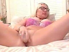 Hot webcam girl suck and fucking dildo