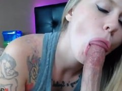 Stunning beauty loving that cock in her mouth