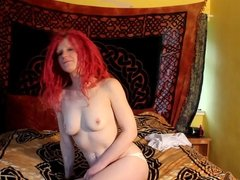 Daisy UK amateur first time strip and spread pussy