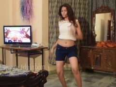 Desi Girl showing her navel in a teasing dance