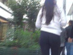 Ass stuck in leggings