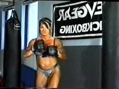 CH - FBB Boxing Muscle Babe