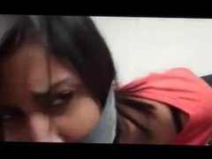 2 mujeres atadas y duct tape