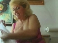 Two Mature Women Pee & Douche Together