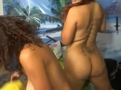 latina sisters fuck eachother for tokens @ universalcamgirls.com