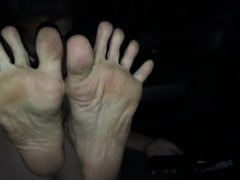 Asian teen with incredible long toes!