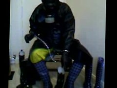 A good wank in my rubber cumming on a wader.