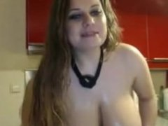 Sexy amateur's girl oiled big boobs in a kitchen :)