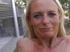 Amateur milfbj and drink piss