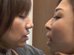 JAV Lesbian Kissing--Ikumi/Shinobu