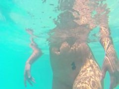 Alexa Paige - Under Water Farts (VID HAS NO AUDIO BY DEFAULT)