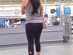 Milf ass in yoga pants