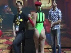 Tight ass Cammy cosplay