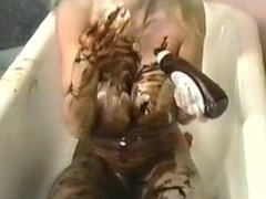 dutty gal takes bath in chocolate 'n' whipped cream
