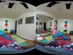 Yoga Sex VR - Luna Star - NaughtyAmericaVR.com
