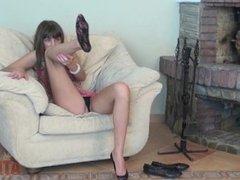 Solo Girl - Feet Licking