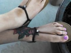 Sisters Sexy Feet and Toes
