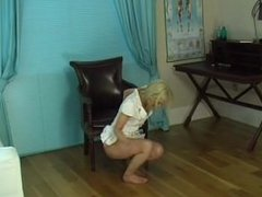 Faye X pissing her panties