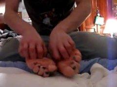 Tickle my girlfriend's feet