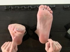 Tickling-Submission-Tickle torture Alexis Crystal