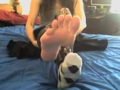 Socks to bare soles and wiggling toes