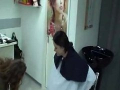 Swiss Woman Backward Shampooing 1