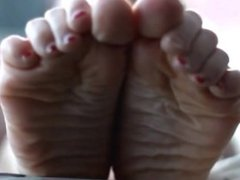 Sexy wrinkled soles
