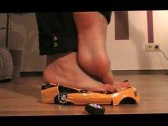 Giantess Barefoot Car Crush 2
