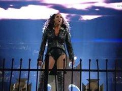 Stephanie McMahon Sexy Moment At WWE Wrestlemania 32