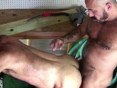 Alessio Romero Fucks Ben Venido in a Garage