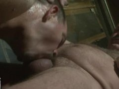 Uber Bear Clint Taylor Feeds His Load to Piggy Boy