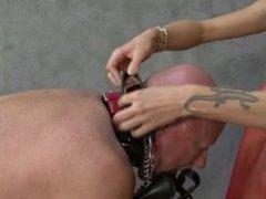 nylon feet dom foot fetish mistress sniffing smelling fotdom,pantyhose