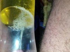 in die Flasche