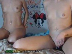 www.cams10.xyz deux jeunes filles sexy masturbé pour obtenir des conseils