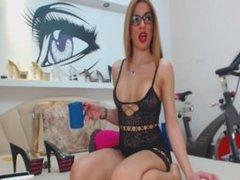 www.cams10.xyz amazingass1 nous taquiner en robe sans culotte